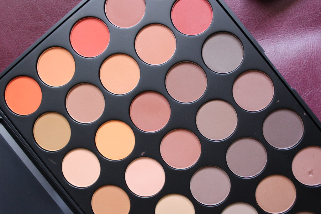 O  Color Nature Glow Eyeshadow Palette Swatches